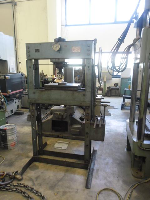 Vendita presse meccaniche e idrauliche nuovi e usati for Vendita presse usate